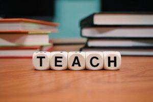 Do you need to do a TEFL course to teach English