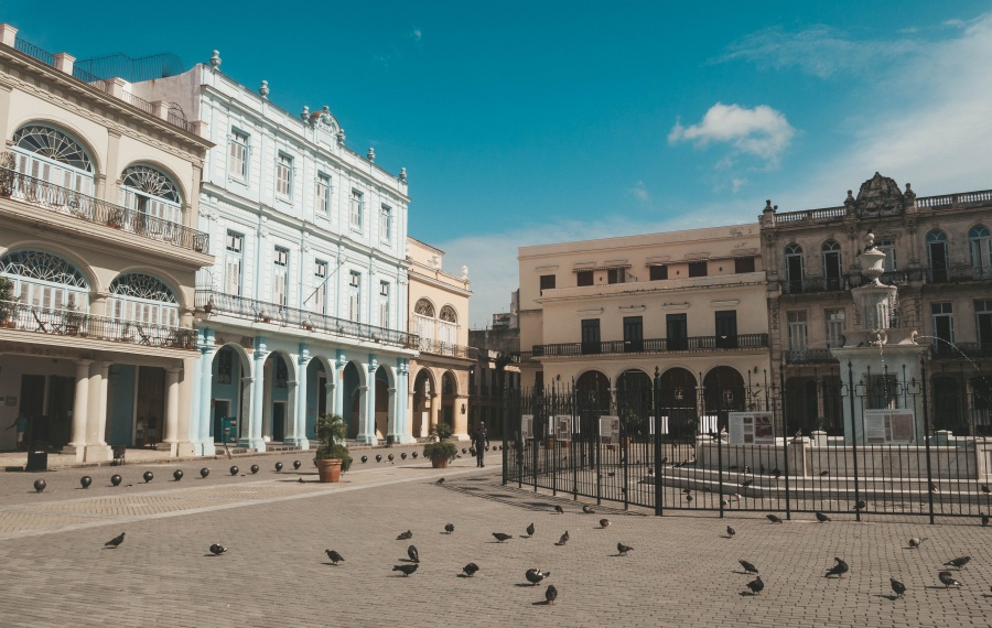 Exploring Cuba | What It's Really Like Traveling Solo in Cuba as a Woman