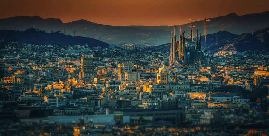 Adventures in Europe   A Beginner's Guide to Traveling in Spain