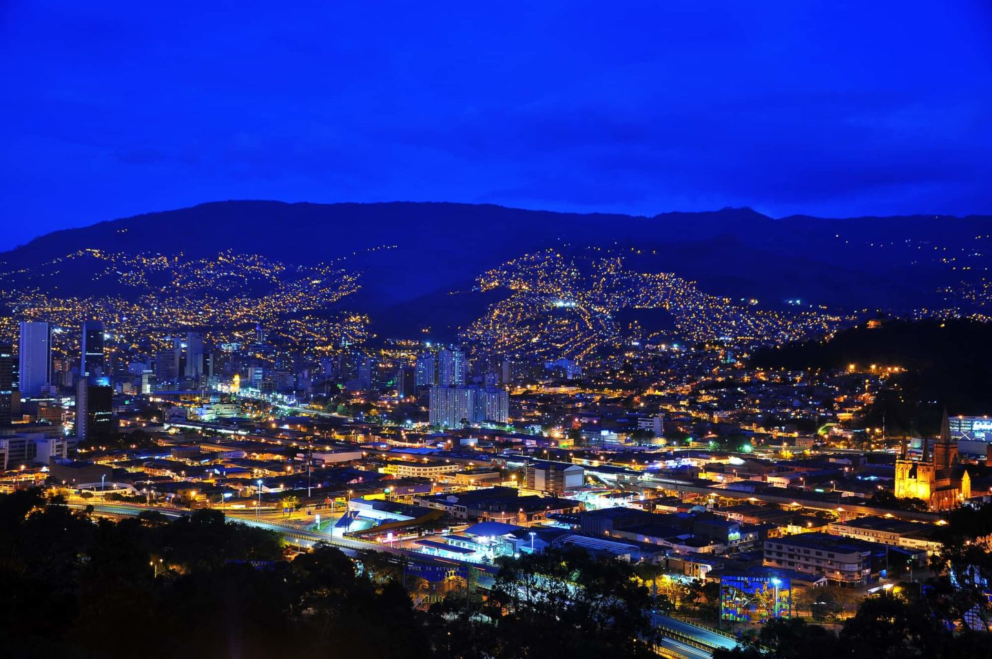 Night time in Medellin. Is Medellin safe for dating