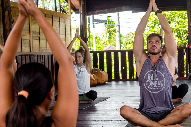 Yoga surf camp bali