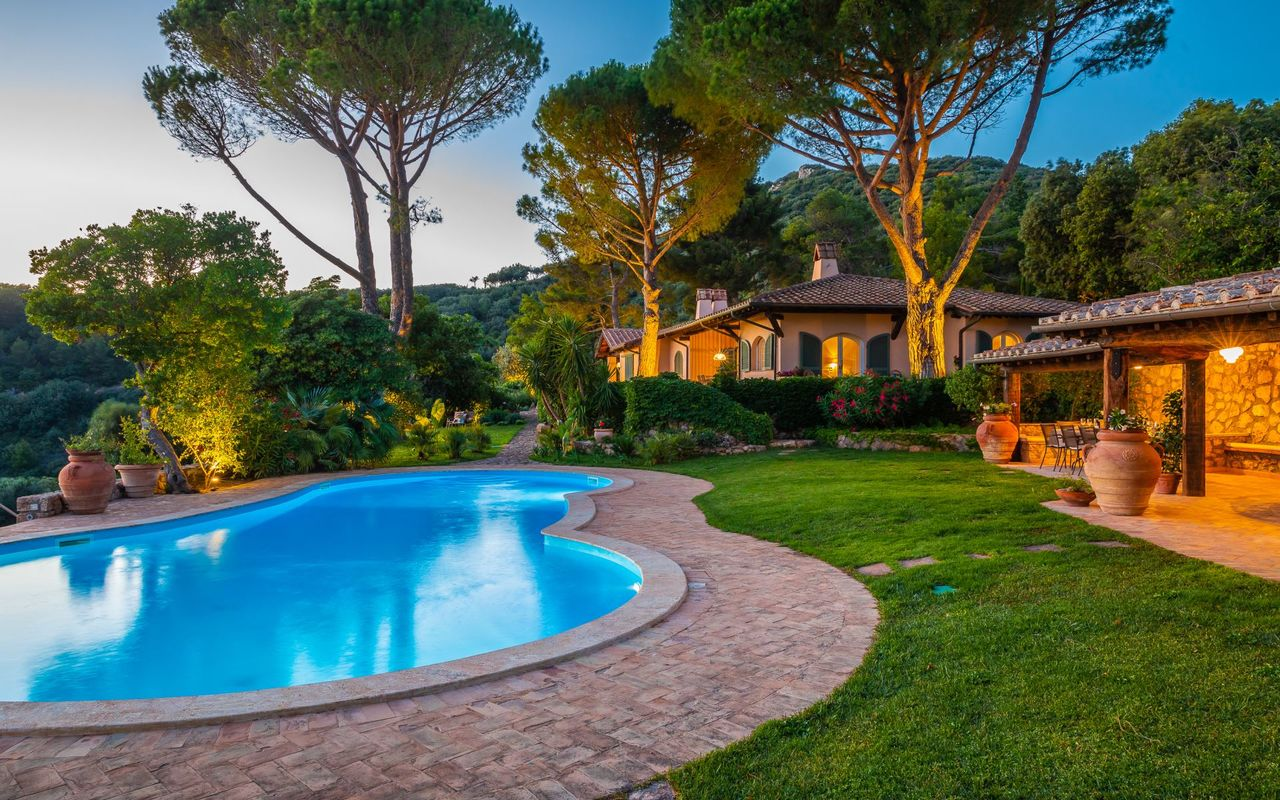 villas in Tuscany with pool
